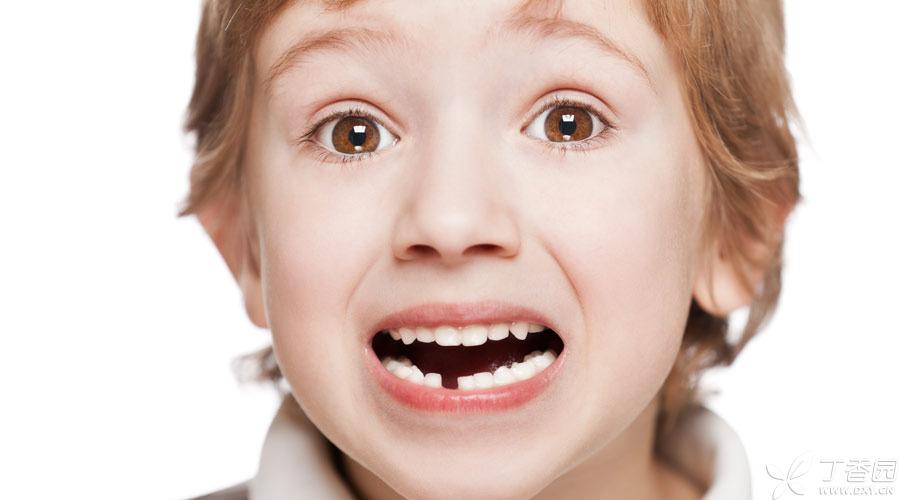 【题图】牙齿意外脱落900x500.jpg