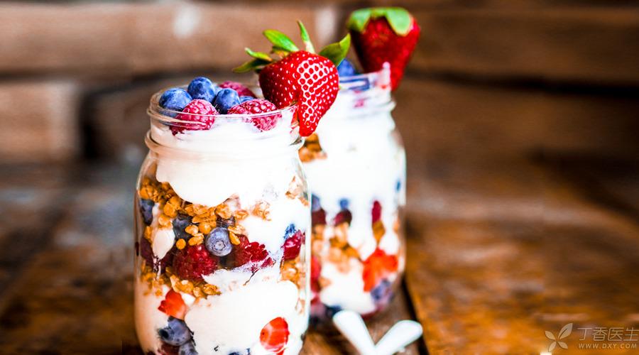 【题图】酸奶好还是牛奶好?-900.jpg
